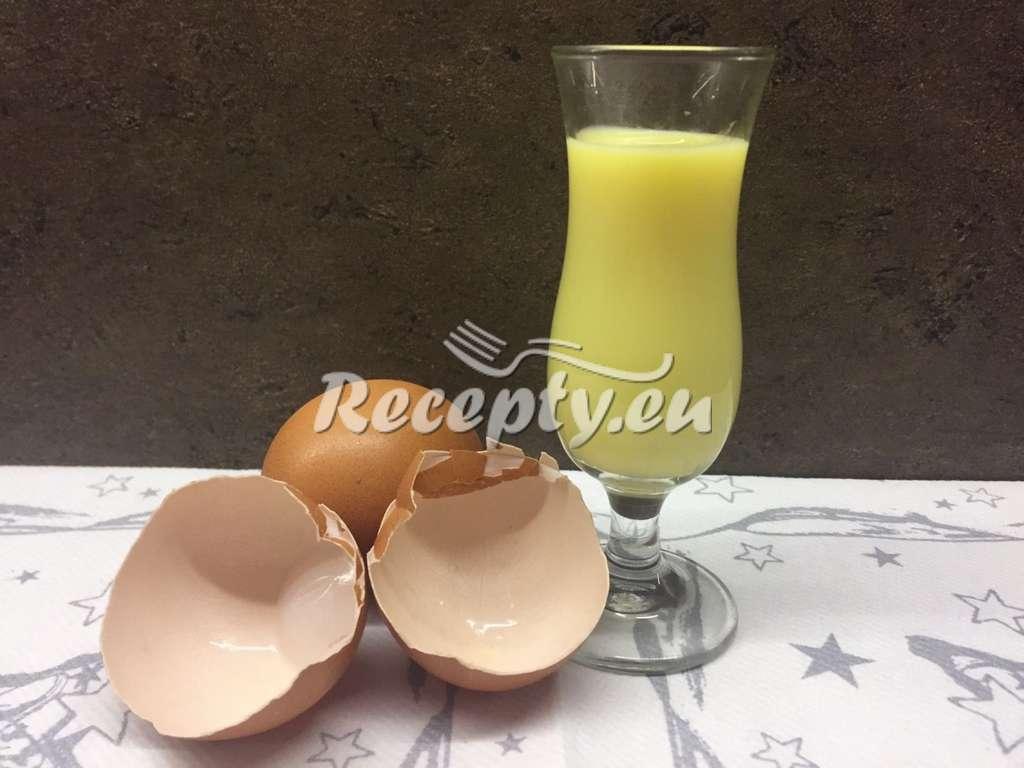 Domácí vaječný koňak
