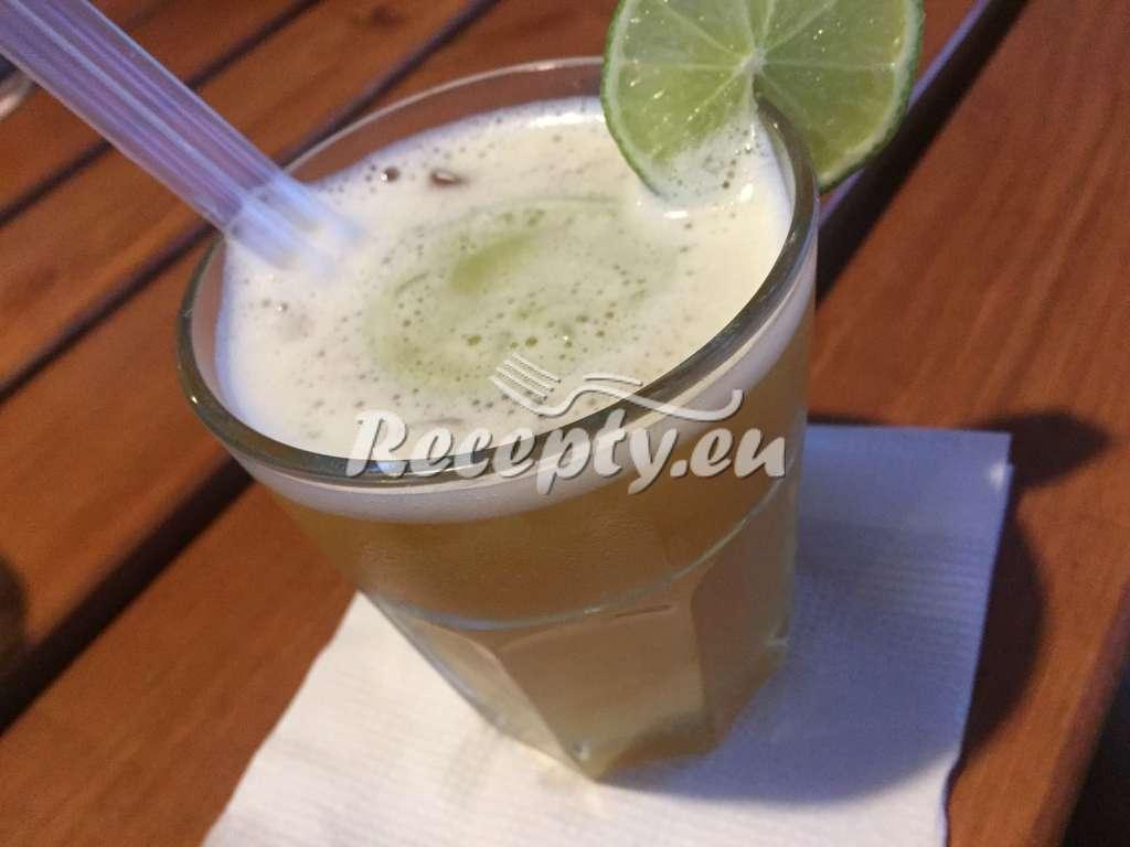 Letní bezinková limonáda